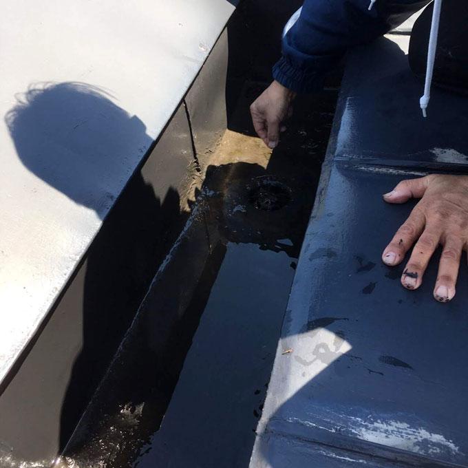 水漏れ事故の除菌及び脱臭工事ビフォーアフター
