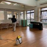 共生保育園 除菌剤の噴霧作業